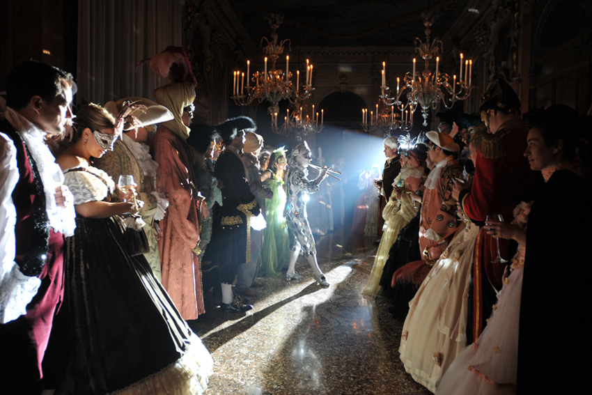 Il Ballo del Doge Arlecchino wikimedia cc by Venice3