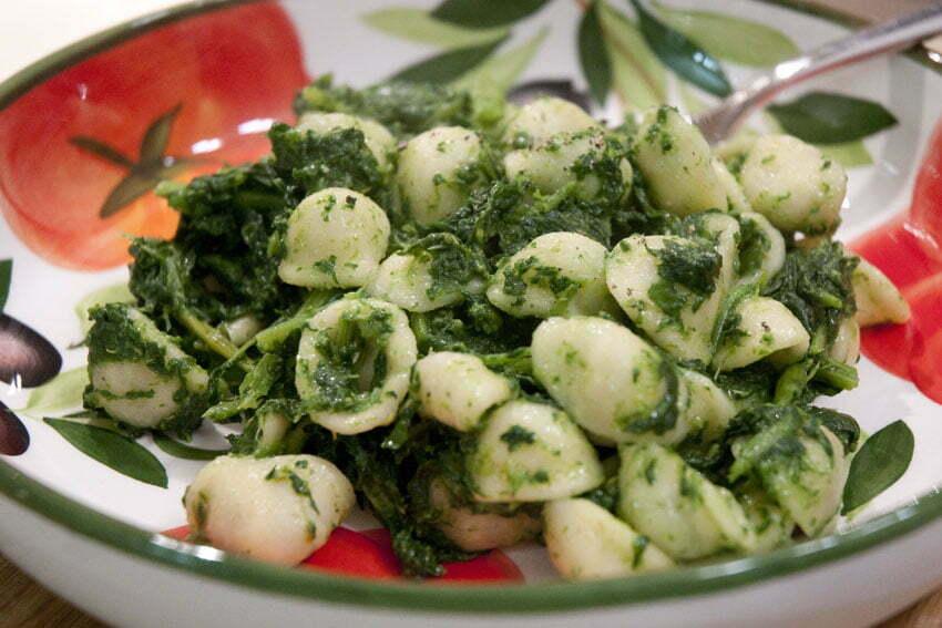 orecchiette pugliesi z rzepą brokułową