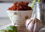 Pesto z suszonych pomidorów i migdałów