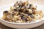Makaron z radicchio, gorgonzolą i orzechami włoskimi