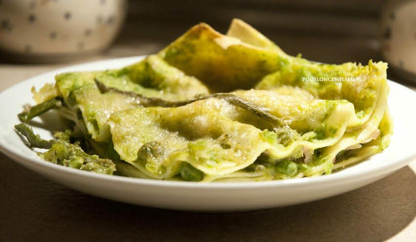 Zielone lasagne ze szparagami i groszkiem