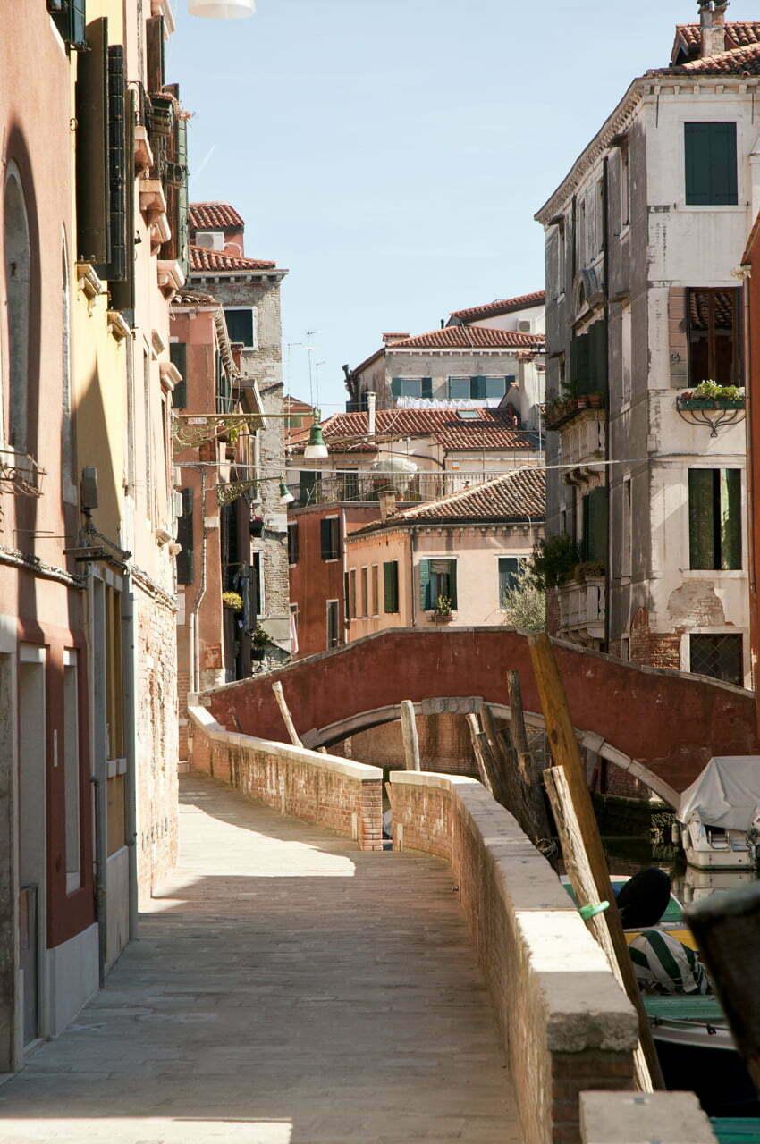 Cannaregio: najstarsze getto świata znajduje się w Wenecjiv